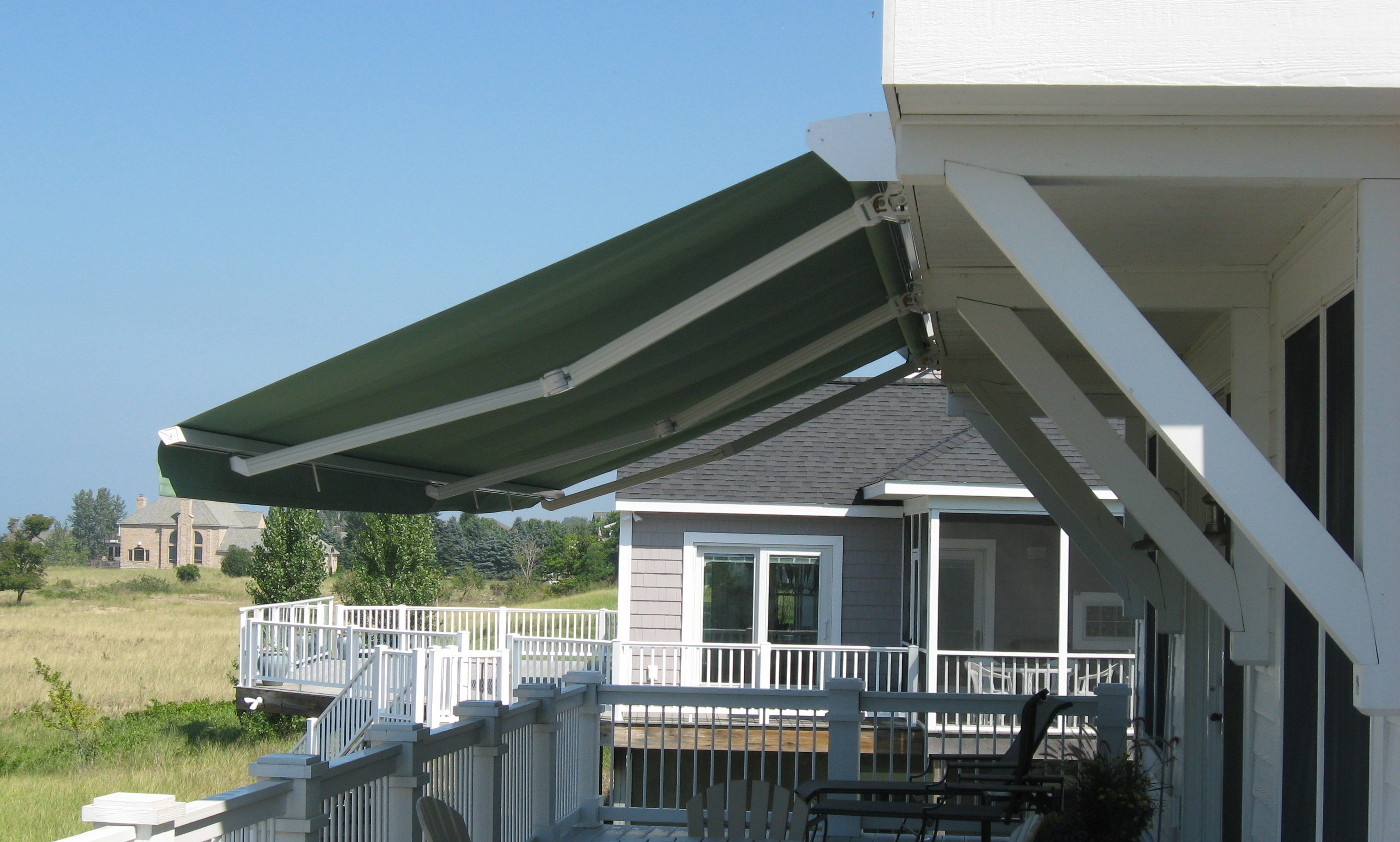 Electric & Manual Retractable Awnings | Muskegon Awning